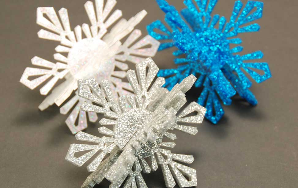 3D effect of putting the snowflakes together.